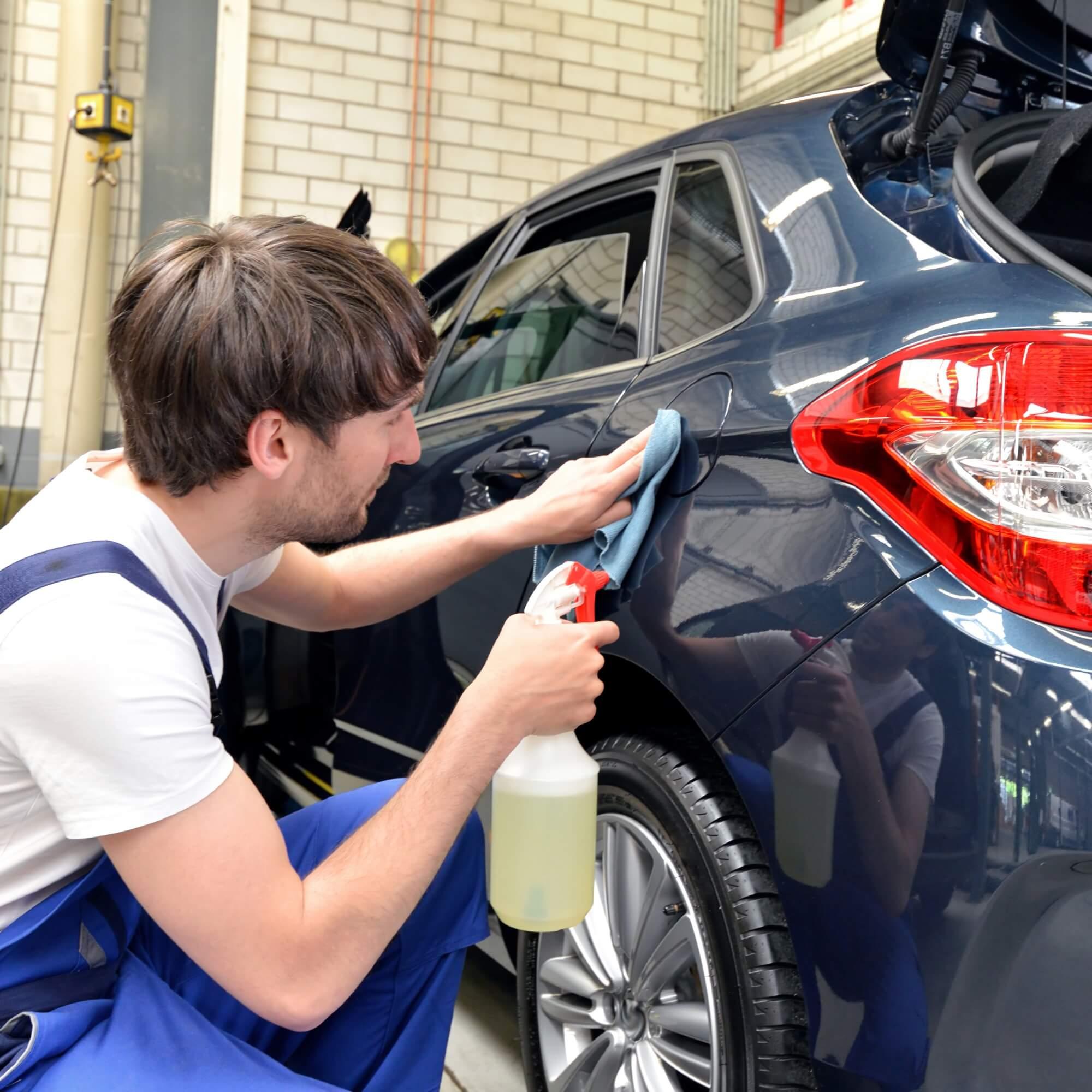 Autopflege: Was für echte Saubermänner